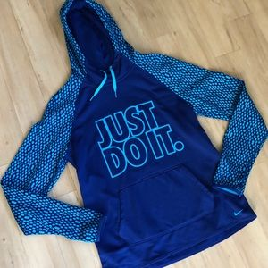 NWOT Nike Sweatshirt Therma-Fit